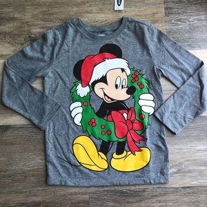 🔥NWT Disney Mickey Mouse Christmas Tee
